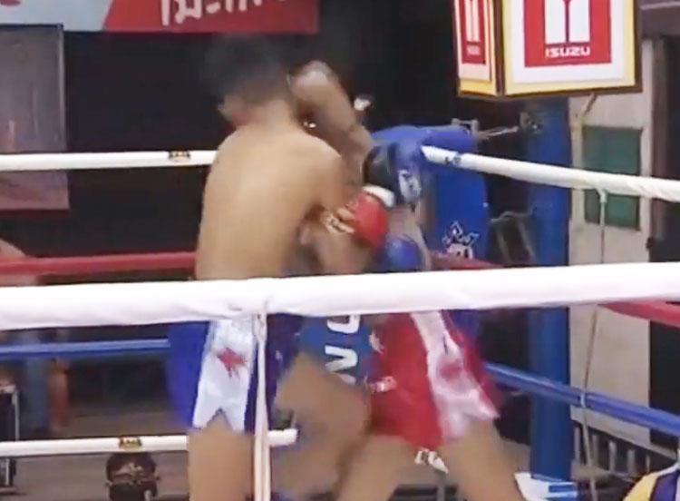 เพชรแสนแสบ พี.เค.แสนชัยมวยไทยยิม vs หยกเพชร เดชเพชรสีทอง