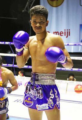 ปานเพชร ไฟต์เตอร์มวยไทย